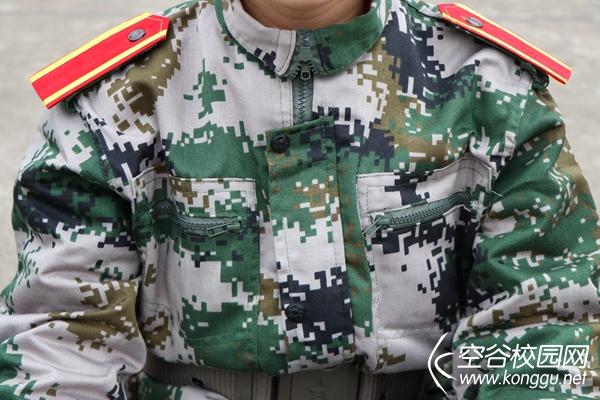 在军训中体验军服文化